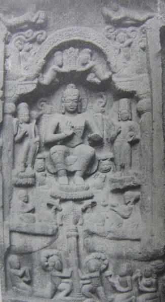 インド カールラー チャイティヤ窟 ブッダ説法像